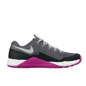 EUC Nike Metcon Repper flywire Gray Sneakers 9